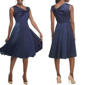 GAL MEETS GLAM Navy Noelle Twist Neck Satin Dress
